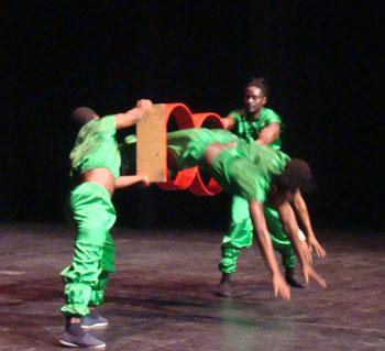 Jabali African Acrobats
